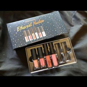 💄brand new Bare Minerals lip gloss